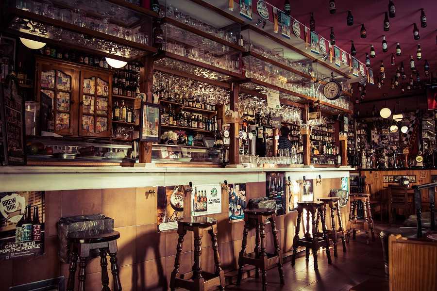 Interior de un bar en Madrid - Sixt alquiler de coches 0a6ee22abf9